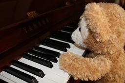 ダッフィー ピアノ.JPG