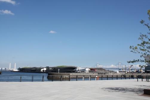 大桟橋とベイブリッチ.JPG
