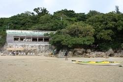 浜辺の茶屋 海から.JPG