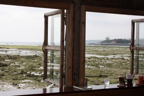 浜辺の茶屋 窓からの景色.JPG