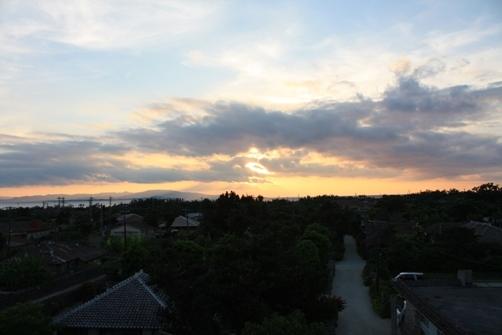 竹富島 なごみの塔からの夕焼け 西.jpg