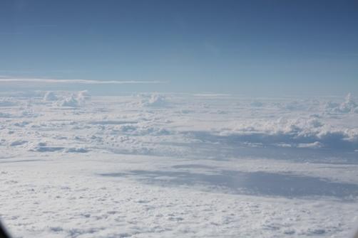 4日 飛行機内より 雲海.JPG